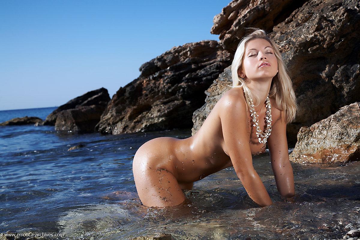 голые девушки фото эротика девочки женщины № 41213 загрузить